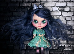 Alley cat (pure_embers) Tags: pure laura embers blythe doll dolls custom photography uk england girl pureembers freddy tan freddytan blue grey alpaca hair fantasy cheska emberscheska cat eyes alleyway