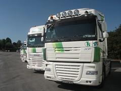 "Paire de tracteurs DAF XF ""Transports J-M ROUGIER et Fils"" (F-87) (xavnco2) Tags: pageas hautevienne france transports rougier camion truck trucks lorry autocarro lkw tracteur tractor unit daf xf"