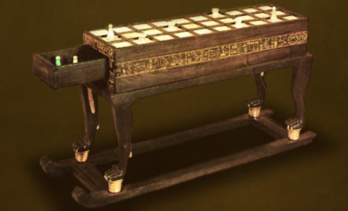 "Senet - Lujoso sistema de objetos lúdicos obsequio del dios Toht a la faraona Nefertari • <a style=""font-size:0.8em;"" href=""http://www.flickr.com/photos/30735181@N00/31709915763/"" target=""_blank"">View on Flickr</a>"