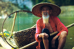 Li river's fisherman (Castelaze_Studio) Tags: li river xingping yangshuo guilin china asia fisherman fish cormoran boat portrait chinese asiatrip old