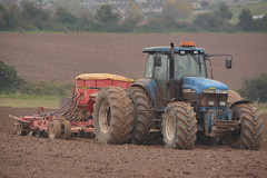 Ford 8770 Tractor with a Vaderstad Rapid 800 Seed Drill (Shane Casey CK25) Tags: ford 8770 tractor vaderstad rapid 800 seed drill blue cnh nh newholland cork city casenewholland sow sowing set setting drilling tillage till tilling plant planting crop crops cereal cereals county ireland irish farm farmer farming agri agriculture contractor field ground soil dirt earth dust work working horse power horsepower hp pull pulling machine machinery grow growing nikon d7100 traktor tracteur traktori trekker trator ciągnik