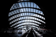 Towards the light (steff808) Tags: londres london unitedkingdom uk reinounido royaumeuni canarywharf metro metrostation nikon nikond750 nikon24120