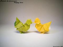 Amour de jeunesse - Puppy Love. (Magic Fingaz) Tags: barthdunkan chick kuiken küken origami pilence piliç pintainho polluelo poussin pulcino νεοσσόσ пиле цыпленок लड़की 병아리 ひよこ 小鸡