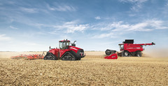 Case IH Quadtrac 620 with Axial Flow 9240 (Case IH Europe) Tags: panorama sun tractor field landscape outdoor wheat farming harvest tracks machine case combine vehicle agriculture harvesting 620 tillage 9240 caseih quadtrac largefield axialflow primarytillage vaderstad axialflow240series quadtracsteigerrange