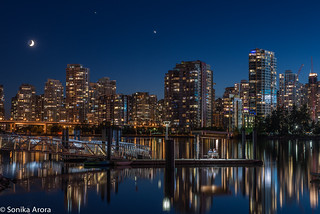The night I got luck and captured the moon, Jupiter and Venus in the Vancouver sky!