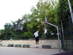 Lay up (PAZghost) Tags: terrain paris france up playground ball flying jump shoot basket ballon parc lancer 92 saut lay panier courbevoie tir becon flickrfriday depose