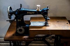 Pfaff 24 (-BigM-) Tags: old industry museum germany bayern deutschland photography fotografie sewing machine sew times product craftsman franken brand industrie pfaff nürnberg 1960 handwerk marke maschine alte pegnitz lauf bigm nähmaschine nähen produkt früher