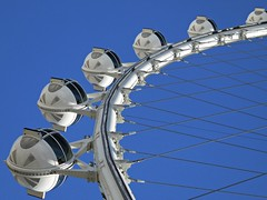 High Roller /Las Vegas (kenjet) Tags: vegas blue wheel metal high pod lasvegas nevada spoke spokes round roller ferriswheel pods lv highroller