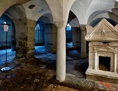 Ivrea - Duomo di Santa Maria (Martin M. Miles) Tags: ivrea duomodisantamaria warmund warmondo ambulatory ateciovalerio sarcophagus sanbesso saintbessus piemont piedmont piemonte italy