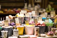Soap (Eklis273) Tags: seife soap bunt colorful scent duft smallstore kleinerladen borghetto italien italy italia mincio river fluss yellow gelb green grün rosé samyang sonya6000 dof