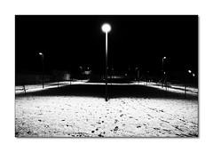 Glaciazioni impreviste (Enrico Lo Storto) Tags: italy neve troia foggia freddo glaciale notte sera