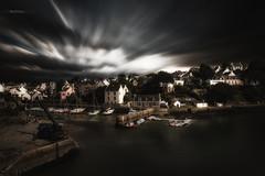 Port du Bono (Stéphane Sélo) Tags: lebono paysage pentax pentaxk3ii bateau bretagne clouds landscape maison mer morbihan nuages océan pont port rivière sigma1750f28 été
