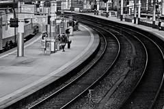 Central Station 3 (heiko.moser (+ 11.300.000 views )) Tags: centralstation station bahnhof bern menschen monochrom mono noiretblanc nb nero bw blackwihte blancoynegro entdecken discover schweiz einfarbig sw schwarzweiss street streetart schwarzweis streetfotografie candid canon city heikomoser