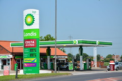 BP, Dunswell East Yorkshire. (EYBusman) Tags: station space garage yorkshire jet gas inner east fina service petrol hull gasoline bp total londis filling dunswell eybusman