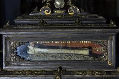 Hl. Valentin, Reliquienschrein-3 (bernhardwagner76) Tags: building church saint austria shrine mark sony valentine bone bishop relics nex wolfsberg nex5n