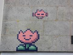 Space Invader PA_1142 (tofz4u) Tags: streetart paris tile mosaic spaceinvader spaceinvaders invader mosaque artderue 75020 spaceflower pa1142