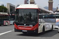 AUTOBÚS VOLVO HÍBRID - 4237 HTS - NO. 5000 (2) (Yeagov_Cat) Tags: barcelona volvo catalunya 5000 tmb autobús transportsmetropolitansdebarcelona avingudareinamariacristina 4237hts