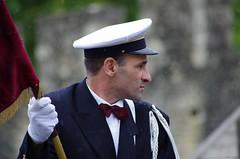 Bouquet Provincial - Pluie (pgauti) Tags: costume pentax casquette bouquet archers k5 drapeau uniforme provins aficionados 55300 justpentax tendard da55300 bouquetprovincial pgauti communautdecommunesduprovinois ccprovinois k5ii