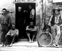 Homenaje Paul Strand (exposicin maravillosa en Madrid). Familia Luzzara, 1953 (alfonsocarlospalencia) Tags: familia strand paul fotgrafo artista genio compromiso cineasta vanguardista innovador luzzara fotolibros