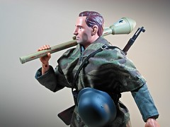 Dragon  New Generation Life Action Figures Series  Item No. 70009  WWII East Prussia 1945  Wehrmacht Grenadier Private (Schtzel)  Wolf  Home, Here I Come! (My Toy Museum) Tags: private wolf dragon action russia wwii east german figure wehrmacht grenadier