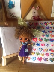 Blythe-a-Day August #11: Mail Day Part 2: Lola Is Very Happy