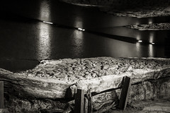 Cracovia - Museo sotterraneo (ugo.ciliberto) Tags: cracovia polonia museo museum museosotterraneo undergroundmuseum archeologia archaeology bn bw bianconero blackwhite