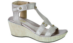 "Naot Flirt sandal stardust • <a style=""font-size:0.8em;"" href=""http://www.flickr.com/photos/65413117@N03/31854943693/"" target=""_blank"">View on Flickr</a>"