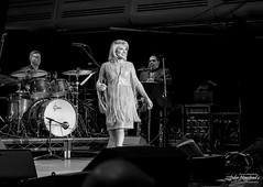 Elaine Paige (johnnewstead1) Tags: livemusicphotography elainepaige theapex concertphotography simonwatson livemusic simonwatsonphography music johnnewstead musicphotography olympus concert mzuiko concertphotographer burystedmunds em1 apex suffolk johngsmith johngsmithband