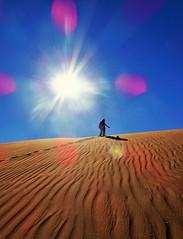 A l'assaut des dunes (Des Goûts et des Couleurs) Tags: epreuve courage liberté solitude sun light lumière escalade adventure aventure couleurs couleur colors color blue bleu orange sand travel voyage dune dunes mhamid maroc désert sahara soleil contrejour sable dgdc desgoûtsetdescouleurs blog charlottedumas