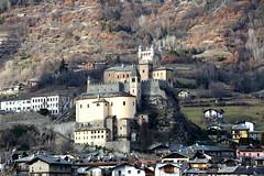 Castello di St. Pierre - Valle d'Aosta - [Explore  Feb 10, 2017] (Marco Ottaviani on/off) Tags: italia italy valledaosta stpierre castello castle montagne mountains canon marcoottaviani