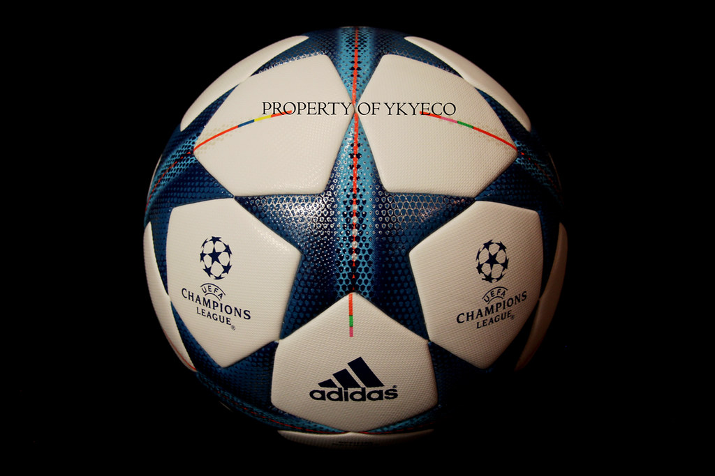 UEFA CHAMPIONS LEAGUE FINALE 15 2015 - 2016 ADIDAS MATCH BALL 02 (ykyeco)  Tags aad6ce0284570
