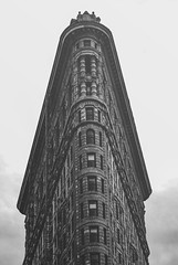flat (pinhead1769) Tags: newyork building blancoynegro skyscraper blackwhite manhattan flatiron bwdreams