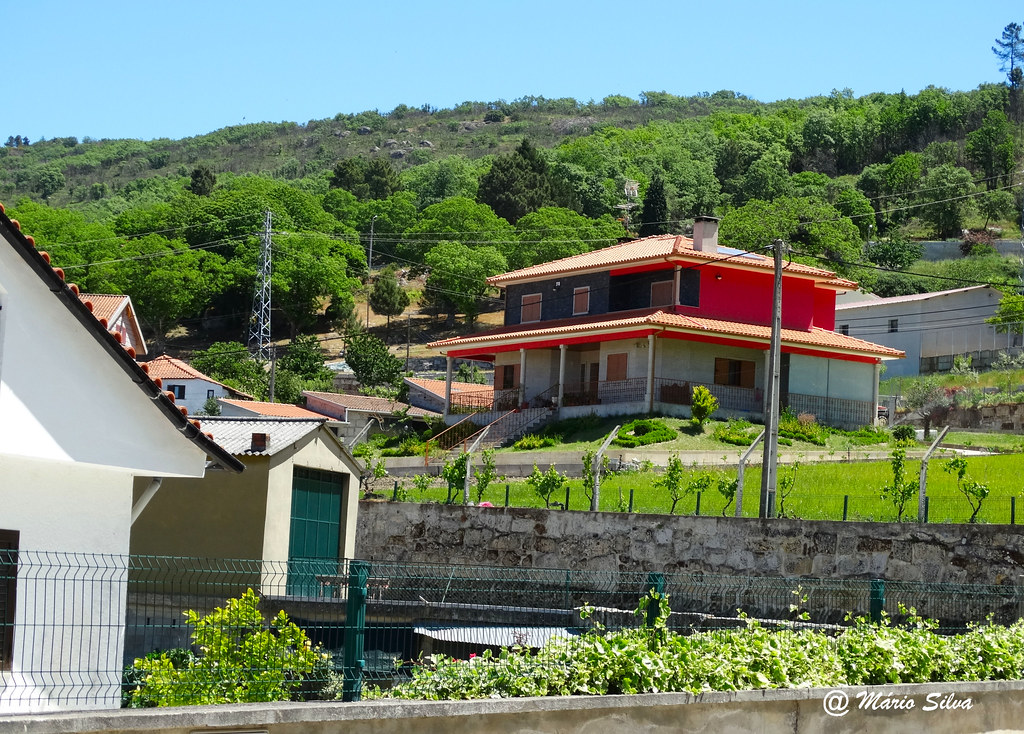 Águas Frias (Chaves) - ... casas ...