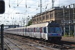 SNCF Transilien 6407 - 6408 (Will Swain) Tags: travel france seine train de french europe north transport july rail railway des sur 9th railways franais asnieres socit parisian fer sncf nationale transilien 2015 chemins 6408 6407