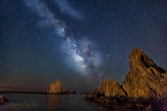 Las Sirenas y la Vía Láctea (Pedro Agulló) Tags: nocturna almería cabodegata arrecife linterna iluminación víaláctea lassirenas