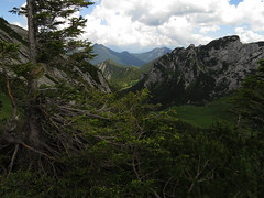 Großtiefental (aniko e) Tags: summer lake tree forest dark landscape rocks valley mountians mangfall soinsee hochmiesing mangfallgebirge hikingclouds grostiefental