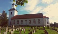 Tvrreds kyrka (Ulricehamns kommun) Tags: church churchyard kyrka kyrkogrd ulricehamn kyrktorn tvrred tvrredskyrka