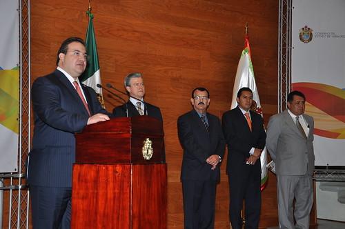 El gobernador Javier Duarte de Ochoa tomó protesta al Secretario Técnico del Consejo Estatal de Población.