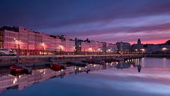 Glowing sunrise (Eduardo Regueiro) Tags: red coruña galicia españa spain sunrise amanecer glow lights luces reflejos boats reflection