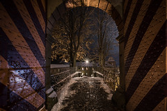 timeout - Auszeit (zenofar) Tags: night nacht stern star burg castle winter tor gate nikon d810 tamron germany deutschland sauerland attendorn reflection spiegelung schatten shadows
