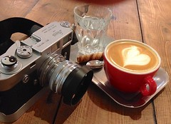 """""""posh"""" Flat White and M2 Leica (Man with Red Eyes) Tags: iphone leicam2 rapidwinder toma softie yinyanh flatwhite heart nikkor nikkors 50mmf14 adapter amedeo posh coffeeshop coffee red rewind cameraquest potkettleblack"""