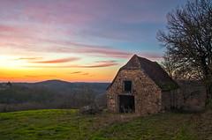 lumière du soir sur le Quercy (Denis Vandewalle) Tags: sky sunset sunlight quercy landscape paysage ciel clouds nuages lot midipyrénées occitanie cloudsstormssunsetssunrises