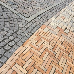 (hannemiriam) Tags: iphonetoday denmark danmark oldnew odensecity odensedenmark abstract texture pattern stones stone square pavement street iphone