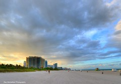 a golden moment (Rex Montalban Photography) Tags: sunset florida miami southbeach rexmontalbanphotography