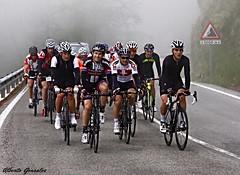 cicoturista vitoria - gazteiz (KOBA TOURS) Tags: espaa cicloturismo europa ciclismo alava euskadi vitoria deportes carreras araba ciclistas deportistas corredores gazteiz cicloturista kobatours