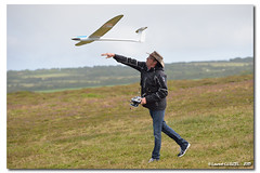 Time to Go ! (Laurent CLUZEL) Tags: nikon 28 soaring glider normandy rc 70200 slope launching d610 vrii