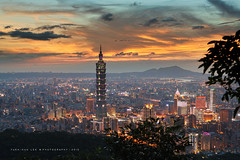 Taipei City at Sunset, Taiwan  July 5, 2015 (*Yueh-Hua 2016) Tags: longexposure sky tower architecture skyscraper canon landscape eos 5d    canonef2470mmf28lusm    101   canoneos5d   horizontalphotograph    l  taipei101internationalfinancialcenter   jiuwupeak   2015july