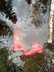 Red Hunters dirty (jazka74) Tags: original wet fun mud boots rubber use hunter wellies