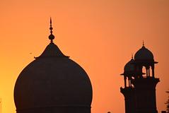 DSC_0342 (greenwaters99) Tags: sunset sunlight birds mosque dome minarets badshahimasjid royalmosque