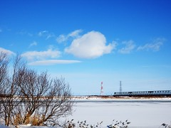 Winter sky (eijun.ohta) Tags: blue white cloud bridge river ice snow tree 木 雪 氷 川 雲 空 白 青 雪原 snowfield